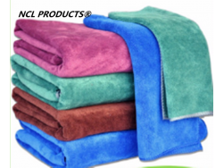 Microfiber detailing towel car washing